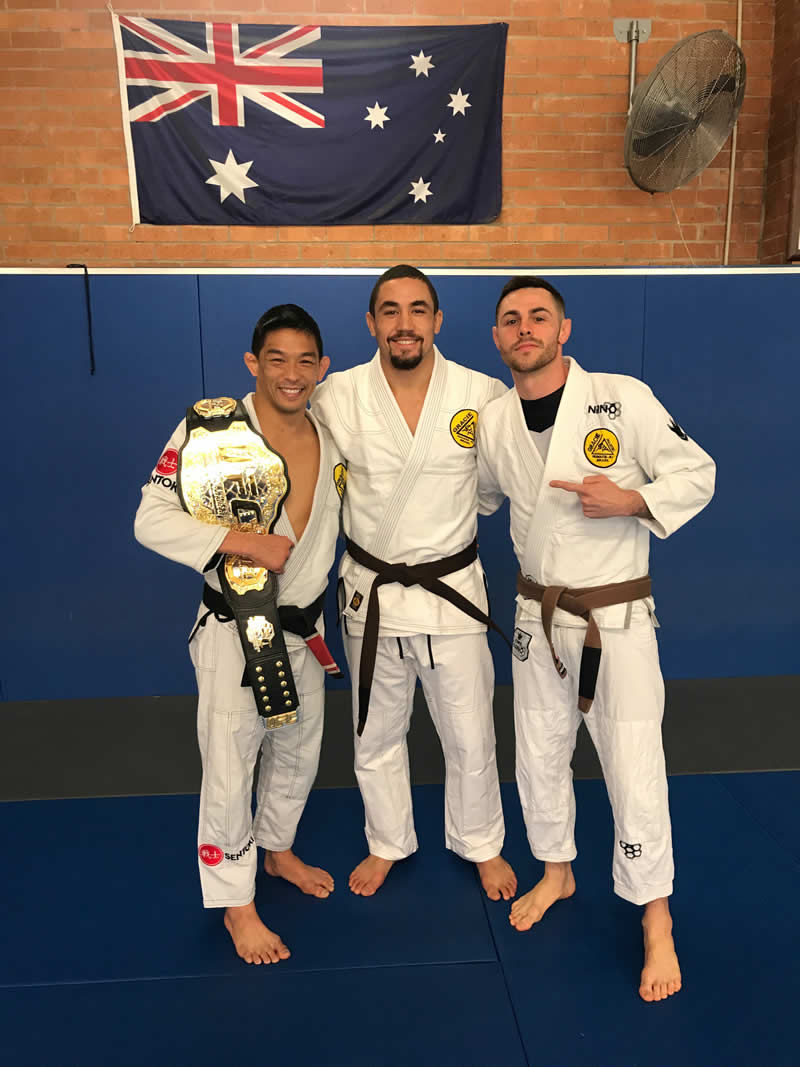 gracie jiu jitsu with robert whittaker